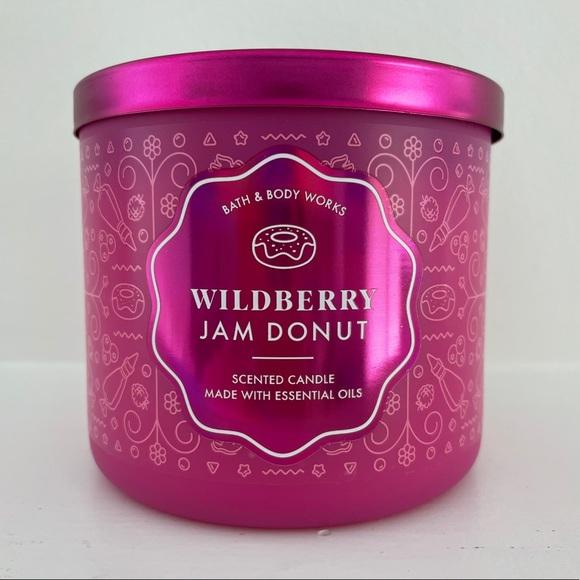 NEW BBW WILDBERRY JAM DONUT Candle